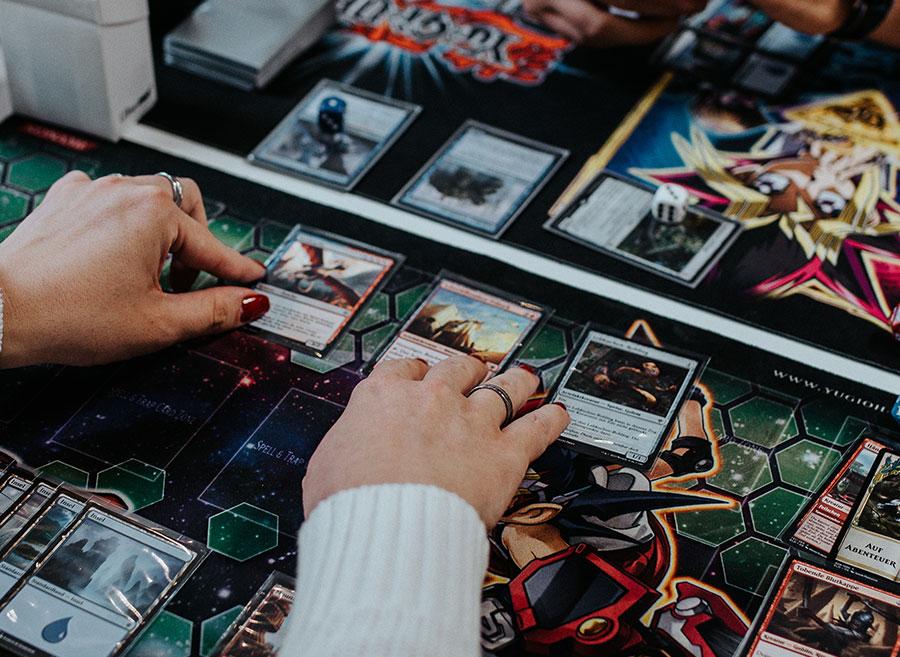 Schwere Entscheidung, welche Karten kommen ins Deck?